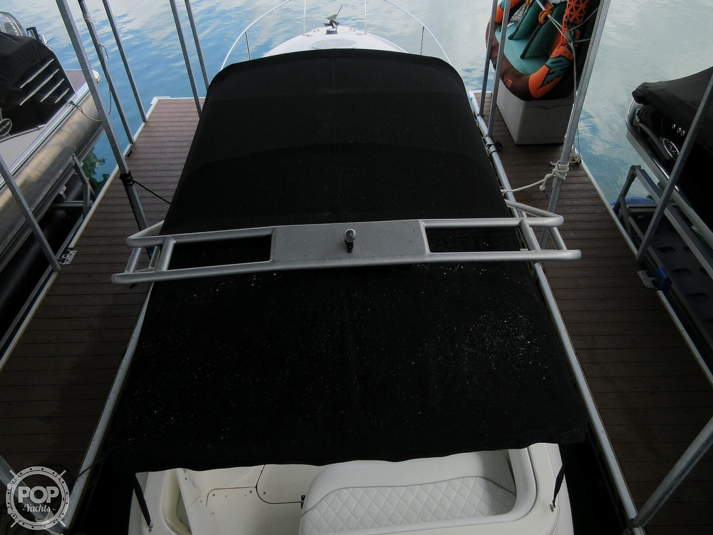 2002 Larson boat for sale, model of the boat is Cabrio 274 & Image # 4 of 40