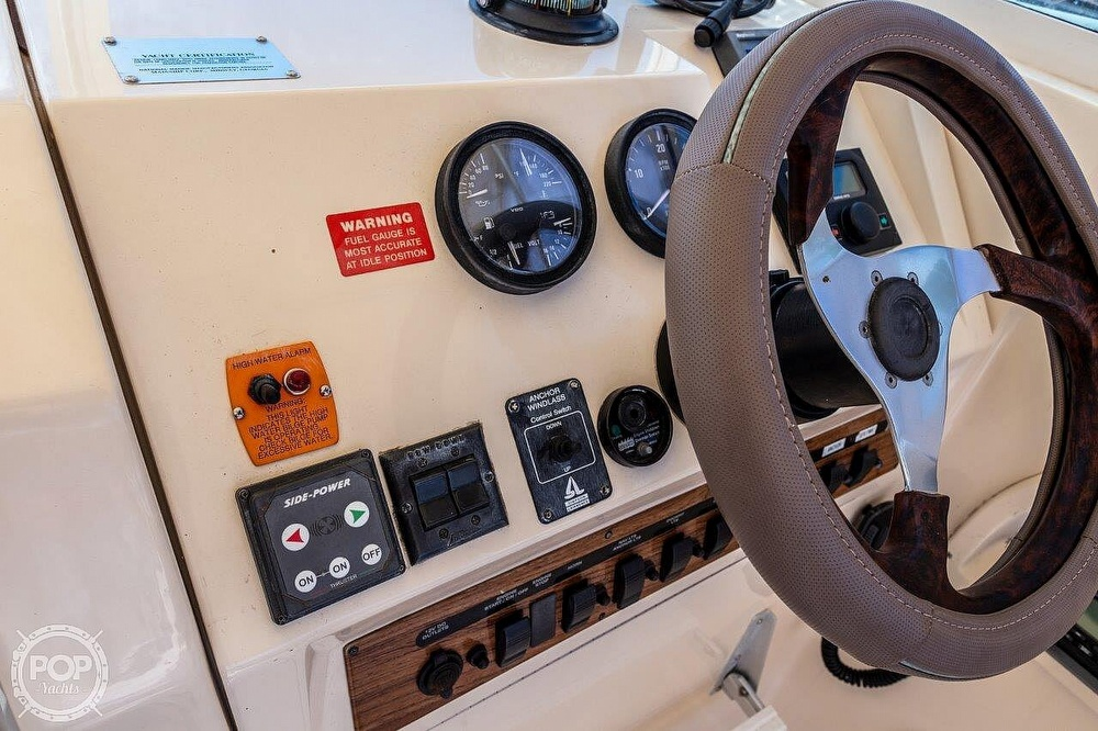 2001 Mainship boat for sale, model of the boat is Pilot 30 Rum Runner & Image # 33 of 41
