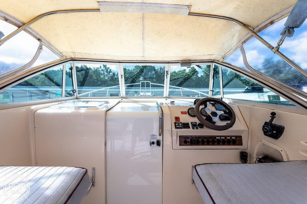 2001 Mainship boat for sale, model of the boat is Pilot 30 Rum Runner & Image # 27 of 41