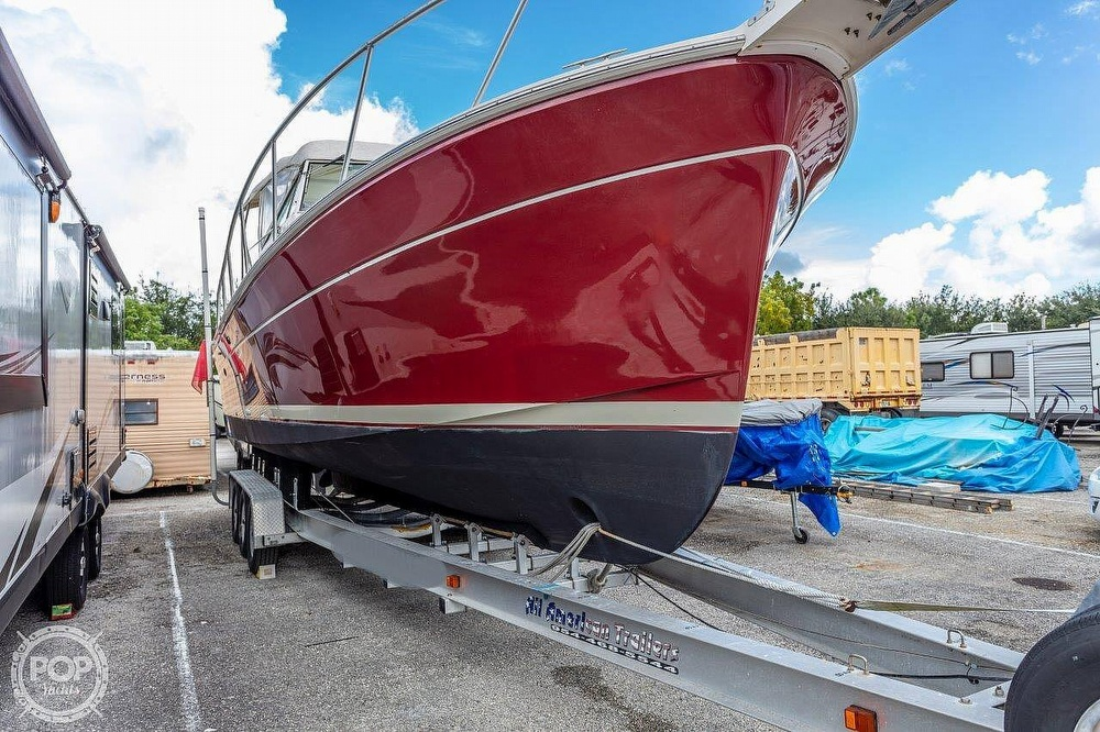 2001 Mainship boat for sale, model of the boat is Pilot 30 Rum Runner & Image # 9 of 41