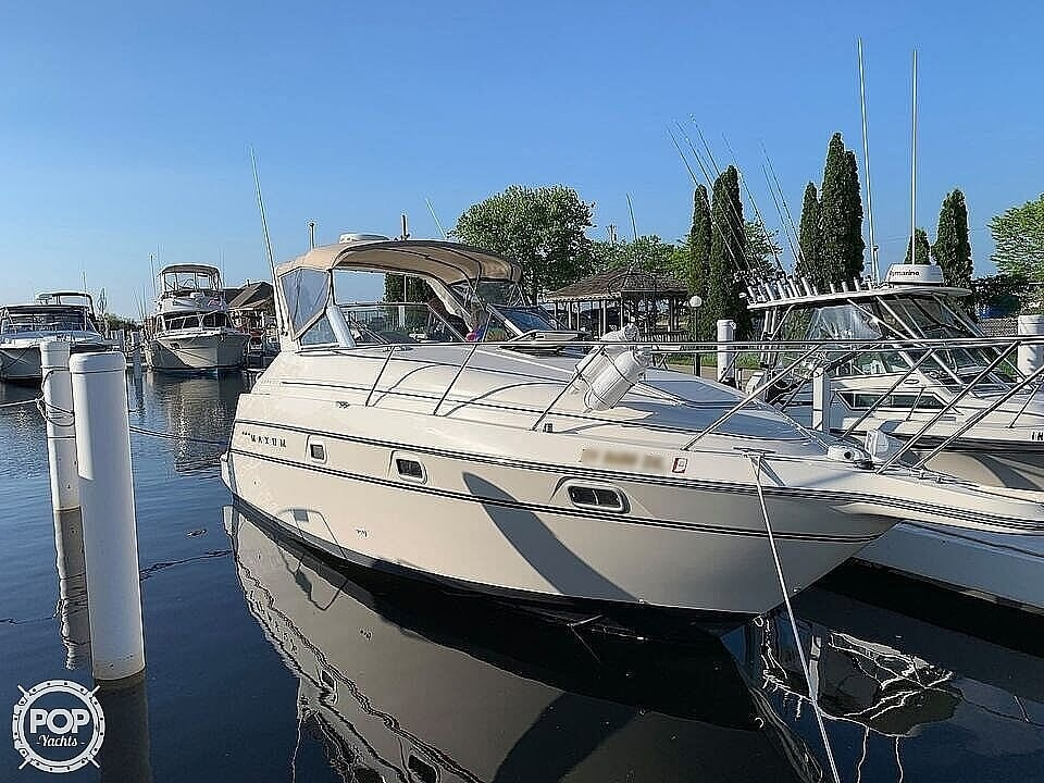 1998 Maxum boat for sale, model of the boat is 2800 SCR & Image # 2 of 12