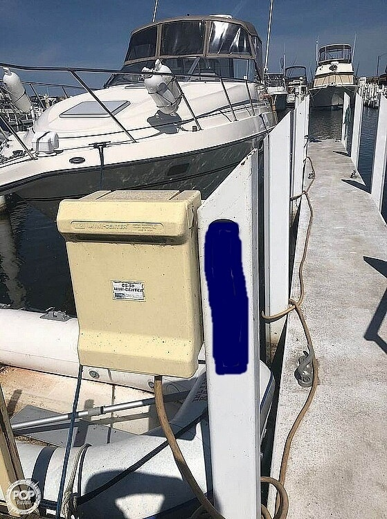 1998 Maxum boat for sale, model of the boat is 2800 SCR & Image # 10 of 11
