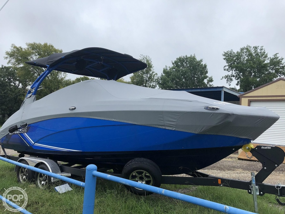 2019 Yamaha boat for sale, model of the boat is 242 X E SERIES & Image # 8 of 40