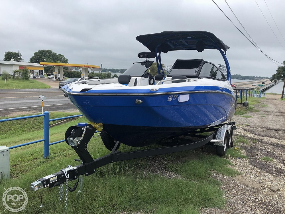 2019 Yamaha boat for sale, model of the boat is 242 X E SERIES & Image # 12 of 40
