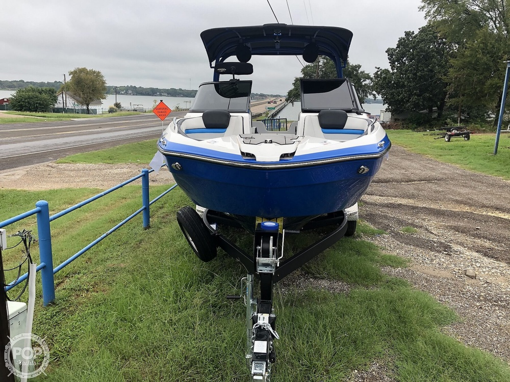 2019 Yamaha boat for sale, model of the boat is 242 X E SERIES & Image # 13 of 40