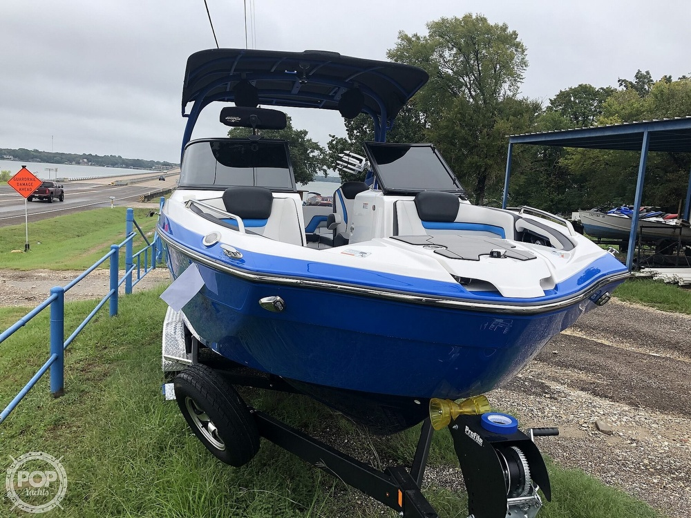 2019 Yamaha boat for sale, model of the boat is 242 X E SERIES & Image # 14 of 40