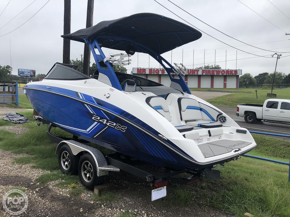 2019 Yamaha boat for sale, model of the boat is 242 X E SERIES & Image # 20 of 40