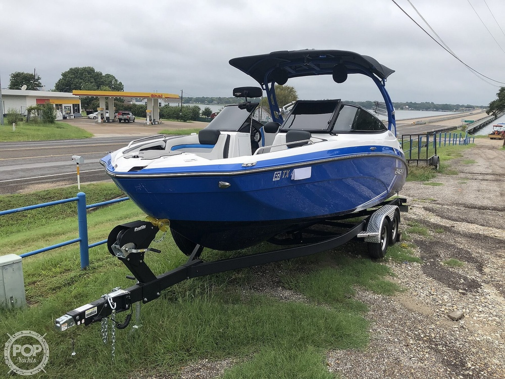 2019 Yamaha boat for sale, model of the boat is 242 X E SERIES & Image # 31 of 40