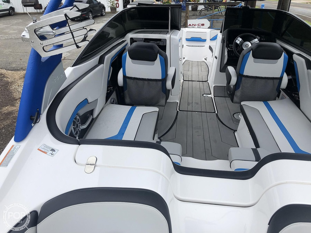 2019 Yamaha boat for sale, model of the boat is 242 X E SERIES & Image # 4 of 40