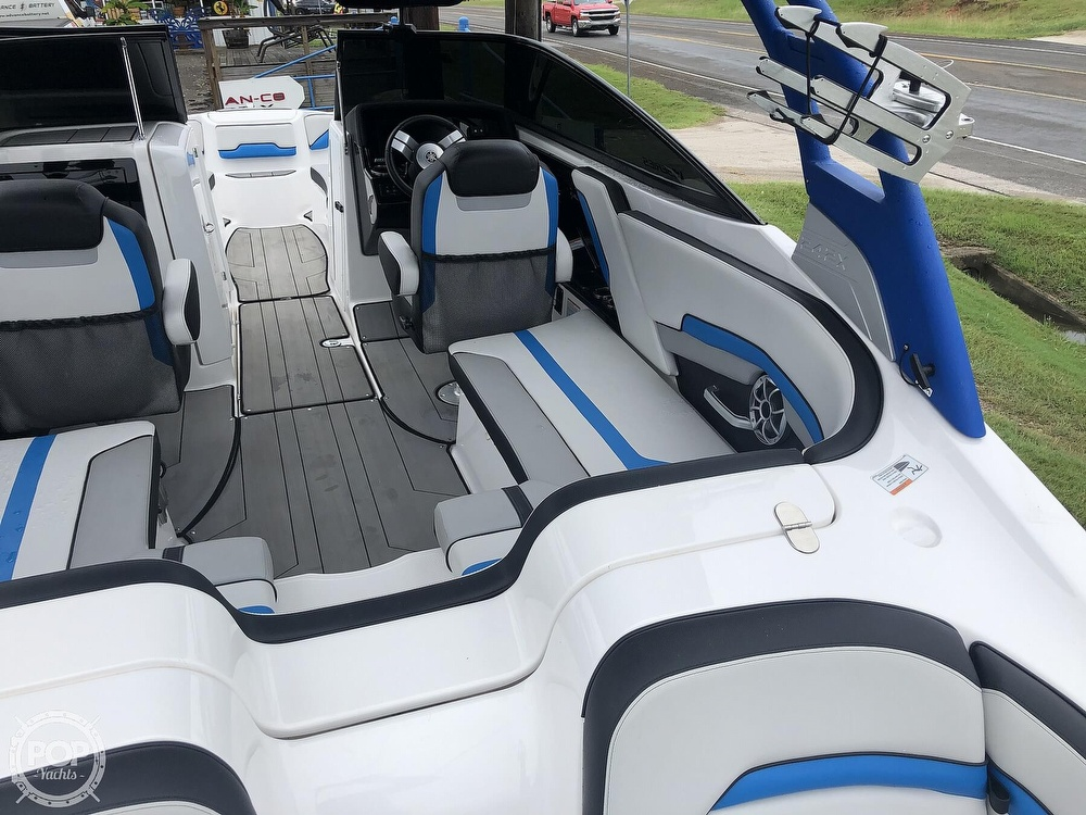 2019 Yamaha boat for sale, model of the boat is 242 X E SERIES & Image # 32 of 40