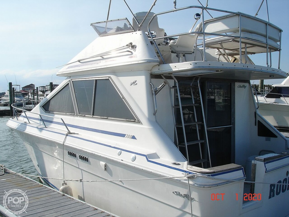 1989 Sea Ray boat for sale, model of the boat is 300 Sedan Bridge & Image # 2 of 40