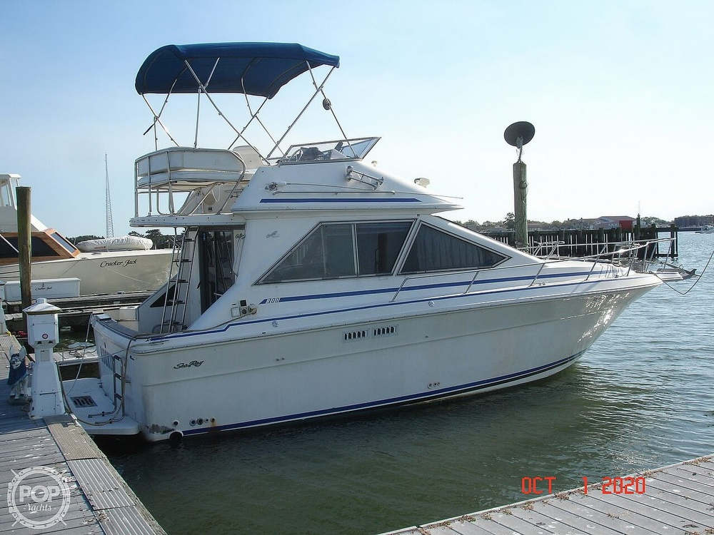 1989 Sea Ray boat for sale, model of the boat is 300 Sedan Bridge & Image # 4 of 40