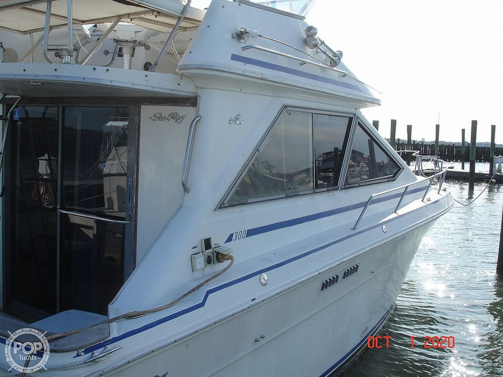 1989 Sea Ray boat for sale, model of the boat is 300 Sedan Bridge & Image # 6 of 40