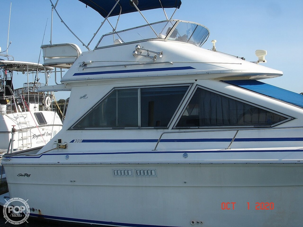 1989 Sea Ray boat for sale, model of the boat is 300 Sedan Bridge & Image # 18 of 40