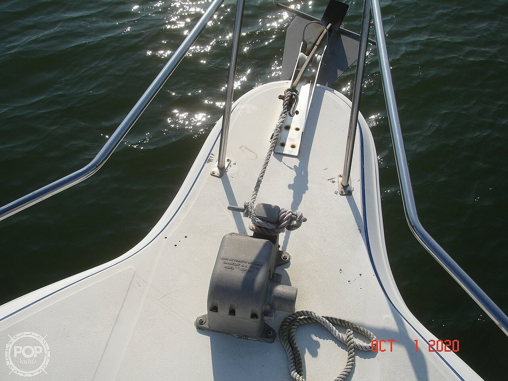 1989 Sea Ray boat for sale, model of the boat is 300 Sedan Bridge & Image # 26 of 40