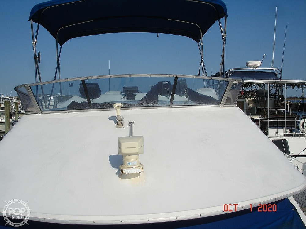 1989 Sea Ray boat for sale, model of the boat is 300 Sedan Bridge & Image # 31 of 40