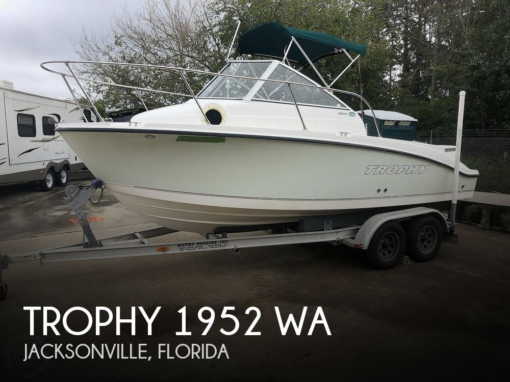 2005 Trophy boat for sale, model of the boat is 1952 & Image # 1 of 40