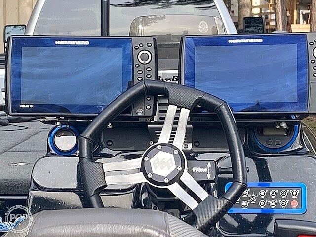 2018 Bass Cat Boats boat for sale, model of the boat is Caracal & Image # 3 of 6