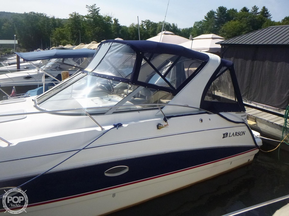 2006 Larson boat for sale, model of the boat is 330 Cabrio & Image # 3 of 40