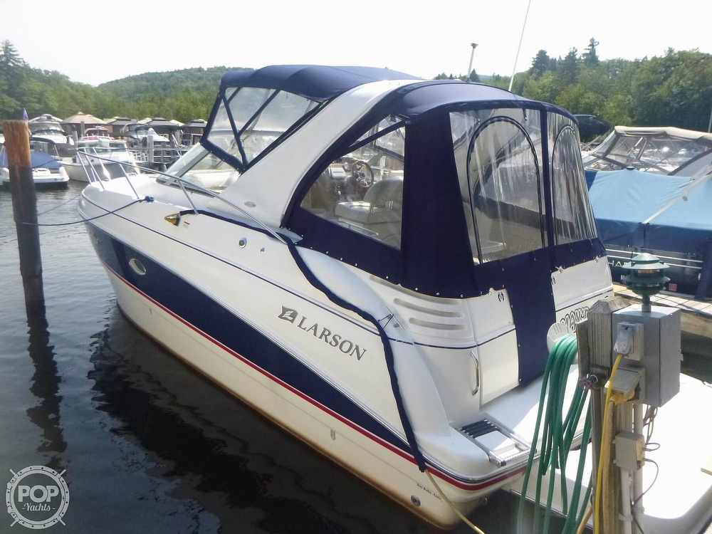 2006 Larson boat for sale, model of the boat is 330 Cabrio & Image # 4 of 40