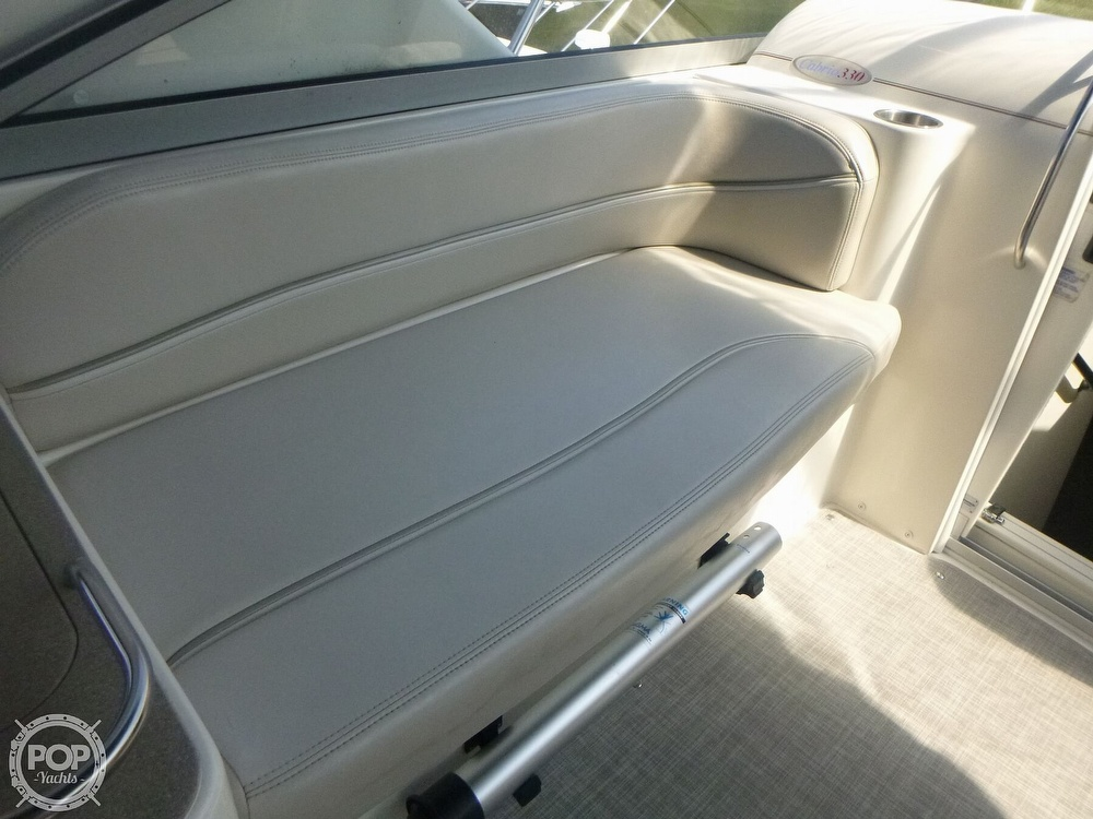 2006 Larson boat for sale, model of the boat is 330 Cabrio & Image # 26 of 40