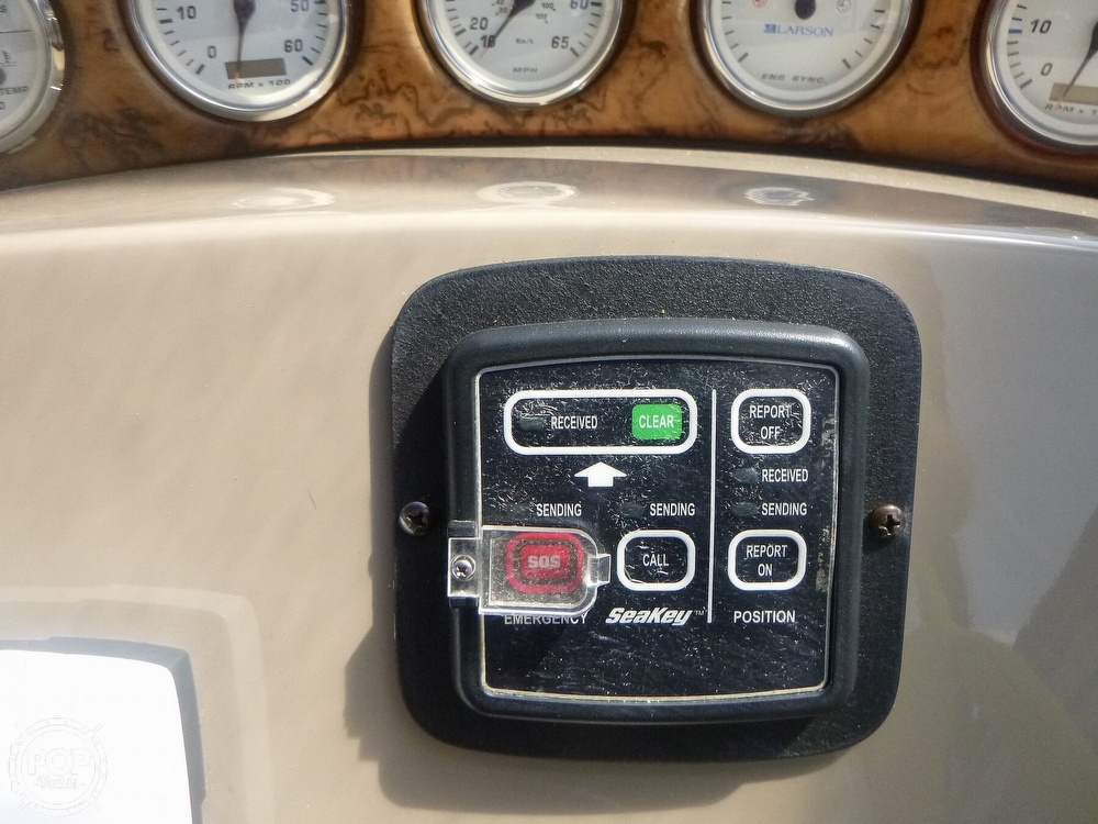2006 Larson boat for sale, model of the boat is 330 Cabrio & Image # 33 of 40