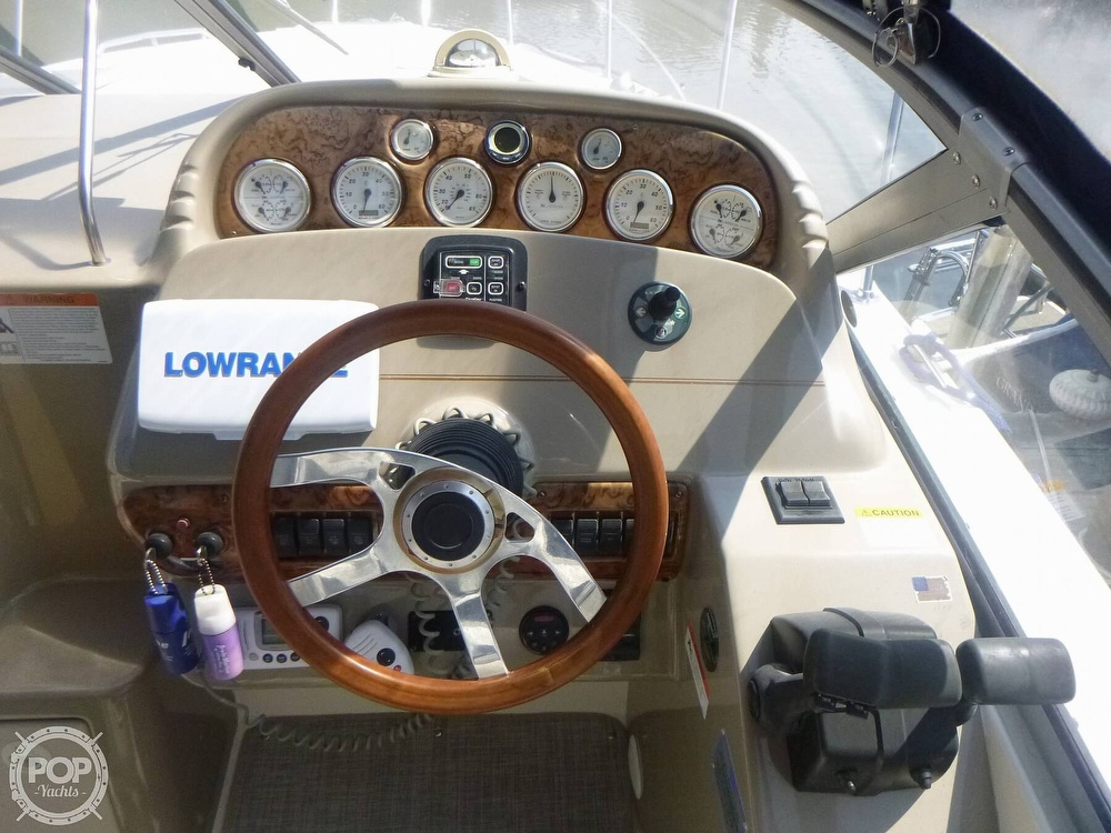 2006 Larson boat for sale, model of the boat is 330 Cabrio & Image # 39 of 40