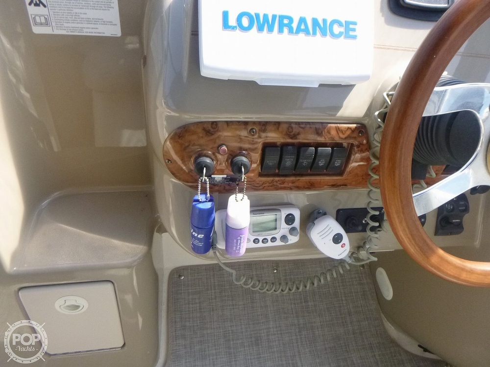 2006 Larson boat for sale, model of the boat is 330 Cabrio & Image # 36 of 40