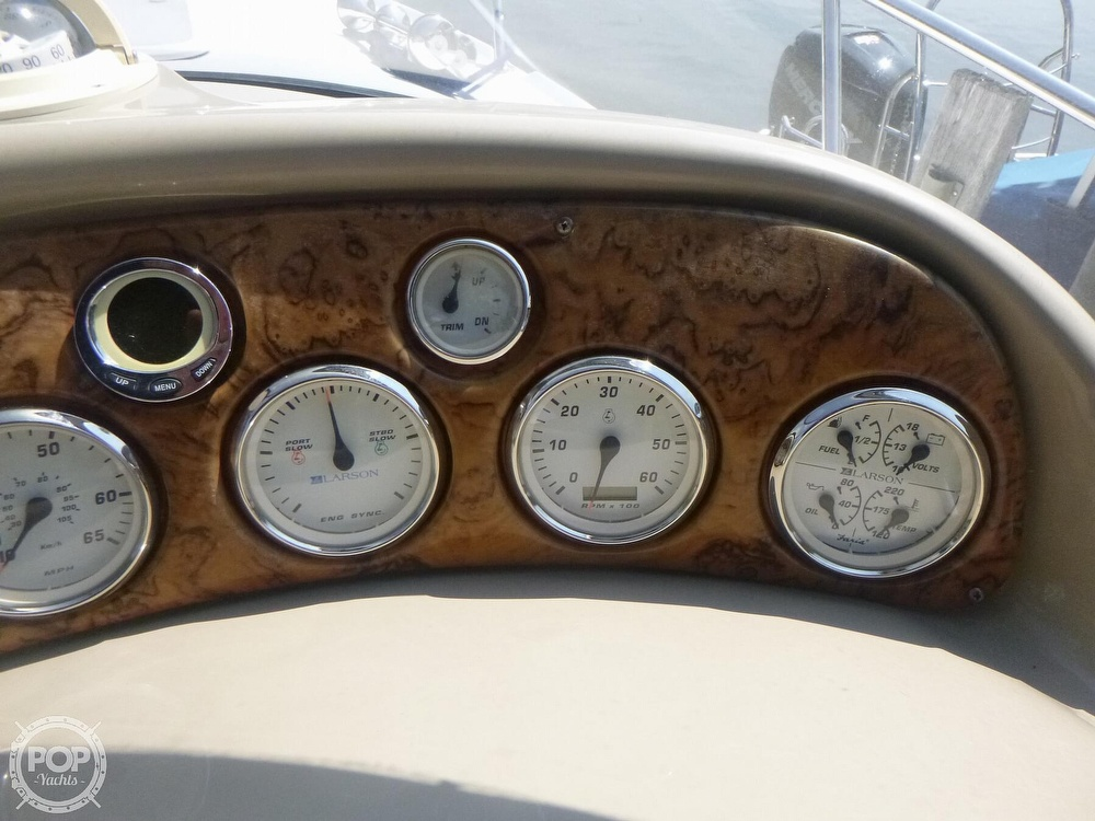 2006 Larson boat for sale, model of the boat is 330 Cabrio & Image # 38 of 40