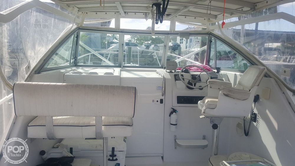 1998 Mainship boat for sale, model of the boat is 30 Pilot & Image # 10 of 40