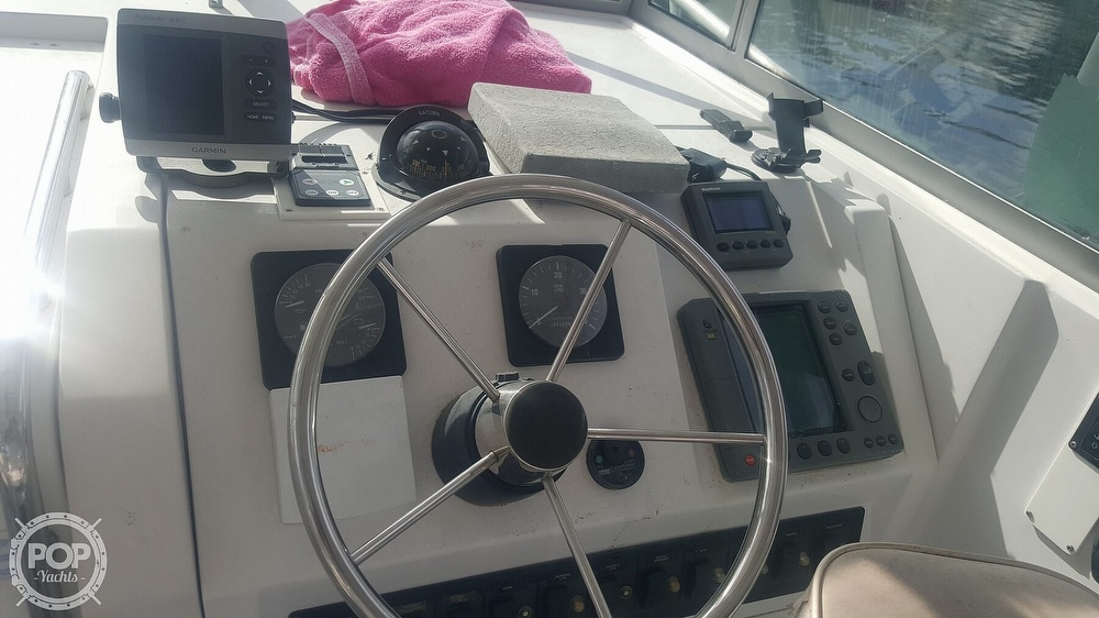 1998 Mainship boat for sale, model of the boat is 30 Pilot & Image # 32 of 40