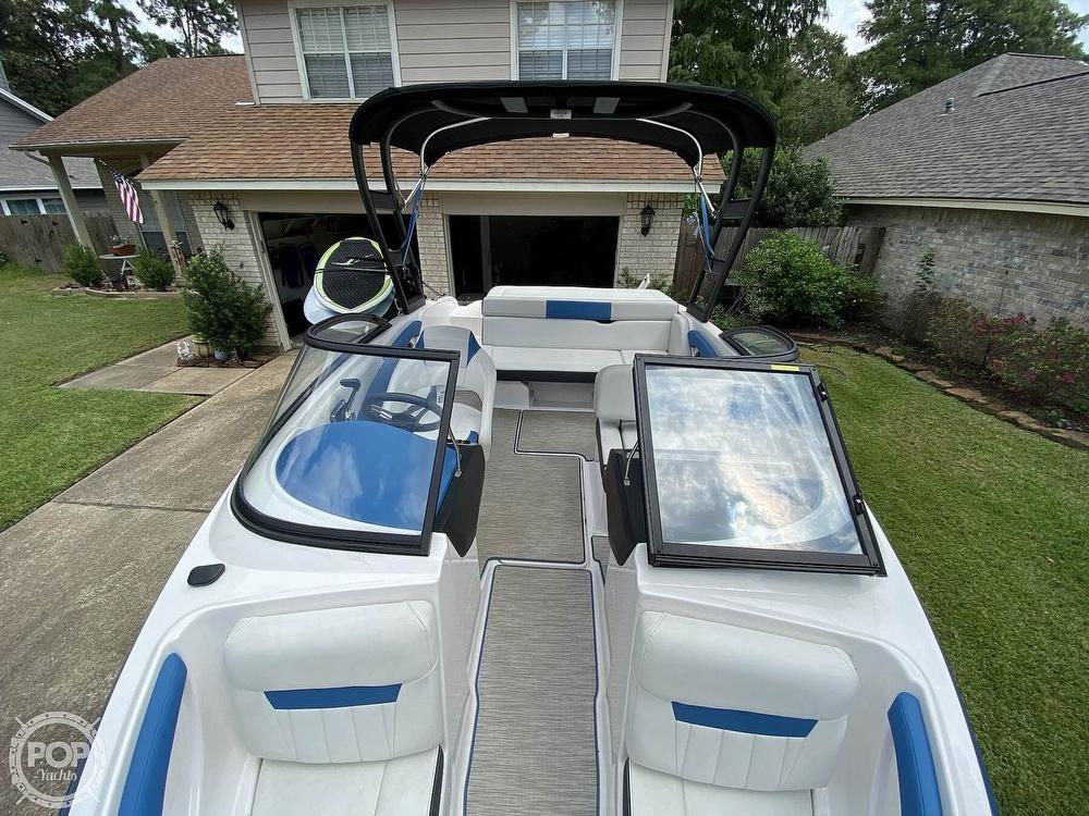 2018 Regal boat for sale, model of the boat is 1900 ESX Surf & Image # 7 of 40