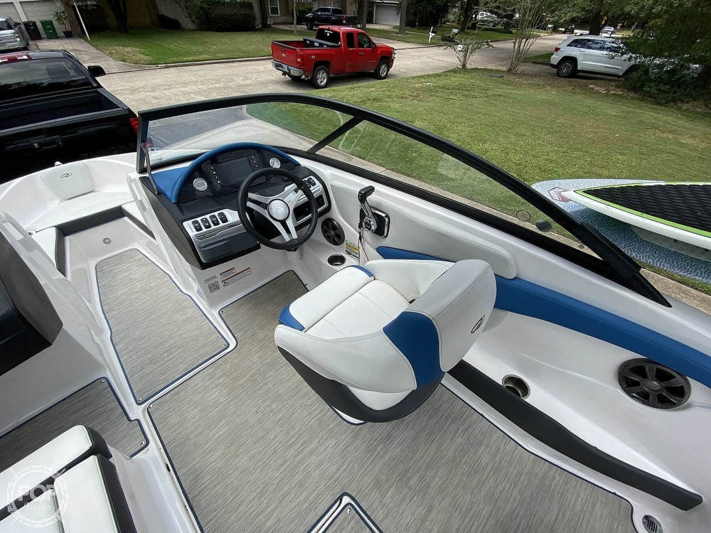 2018 Regal boat for sale, model of the boat is 1900 ESX Surf & Image # 9 of 40