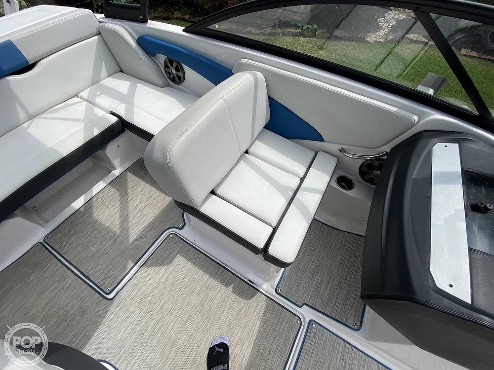 2018 Regal boat for sale, model of the boat is 1900 ESX Surf & Image # 30 of 40