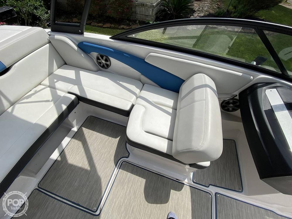 2018 Regal boat for sale, model of the boat is 1900 ESX Surf & Image # 31 of 40