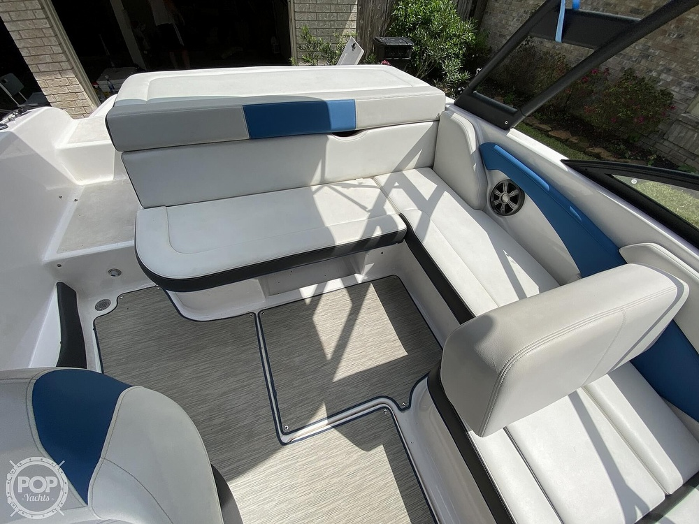2018 Regal boat for sale, model of the boat is 1900 ESX Surf & Image # 35 of 40