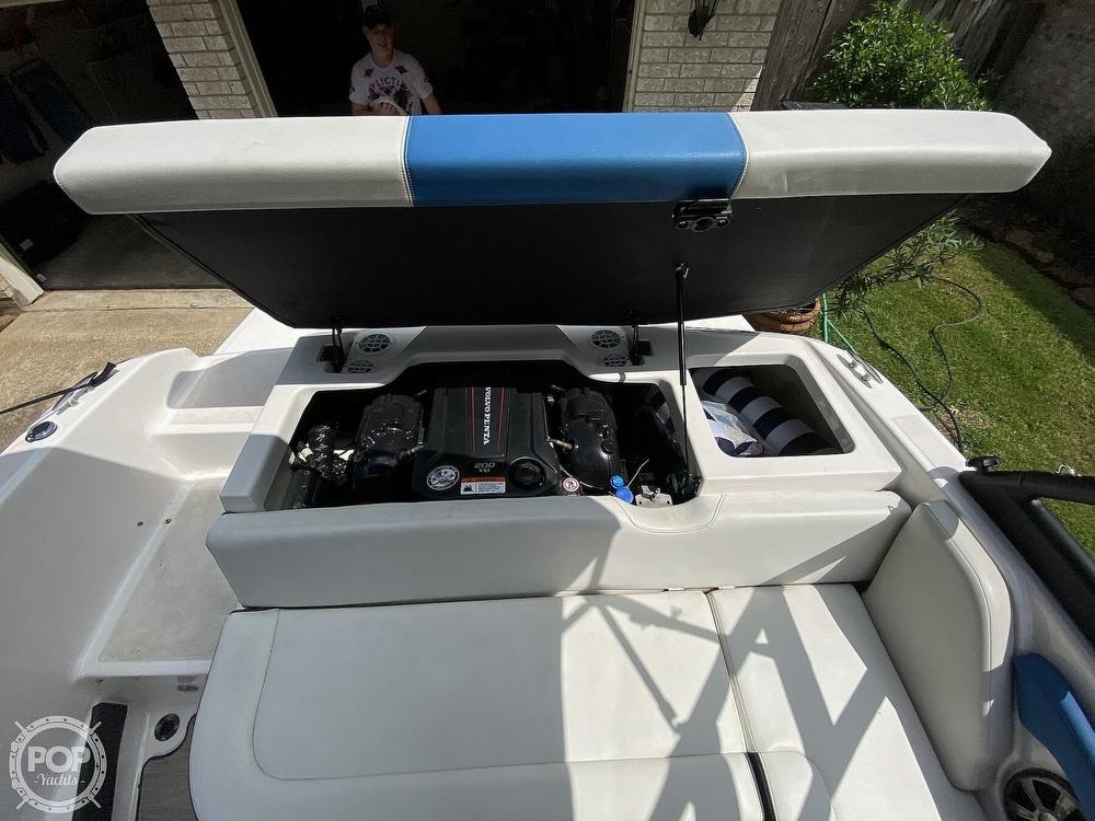 2018 Regal boat for sale, model of the boat is 1900 ESX Surf & Image # 37 of 40