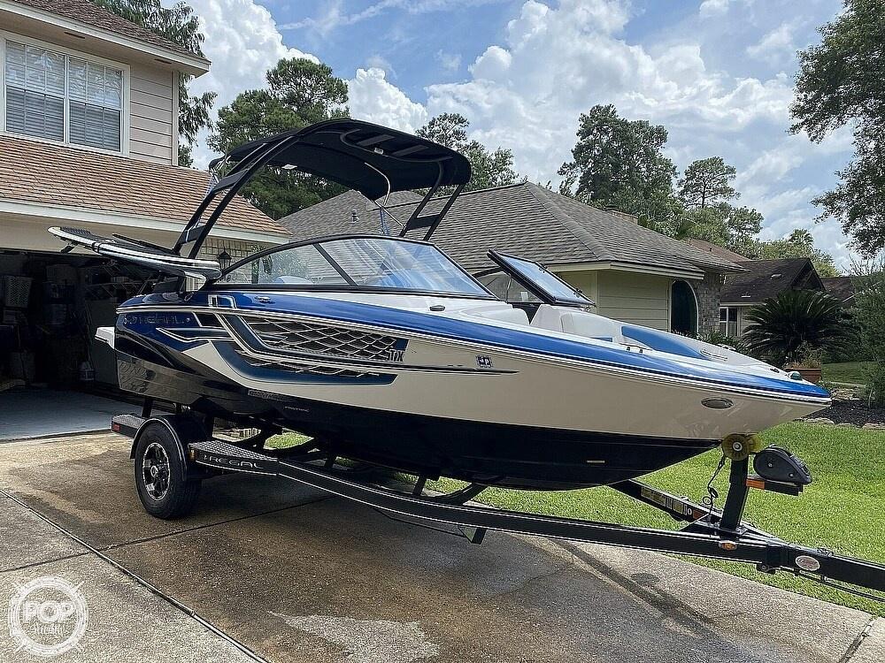 2018 Regal boat for sale, model of the boat is 1900 ESX Surf & Image # 2 of 40