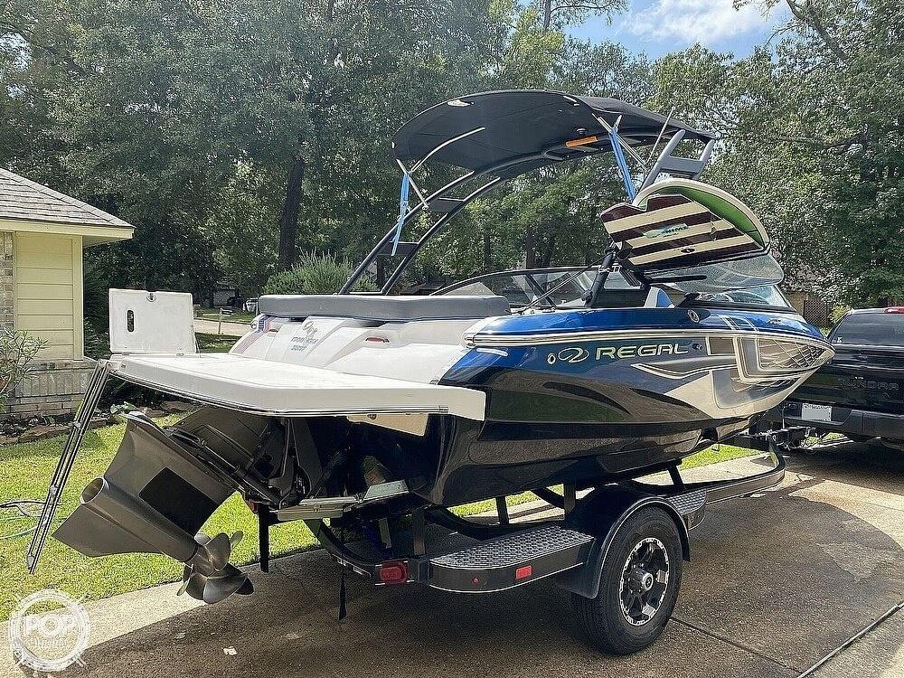 2018 Regal boat for sale, model of the boat is 1900 ESX Surf & Image # 6 of 40