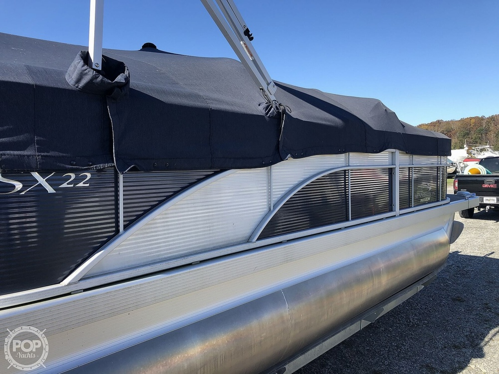2019 Bennington boat for sale, model of the boat is SX22 RXP & Image # 29 of 40