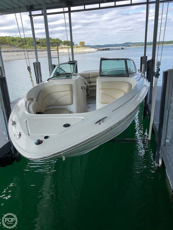 2001 Sea Ray boat for sale, model of the boat is 230 Signature & Image # 2 of 41