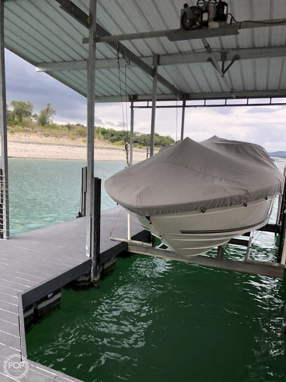2001 Sea Ray boat for sale, model of the boat is 230 Signature & Image # 20 of 41