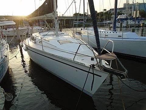 1992 Hunter boat for sale, model of the boat is Legend 37.5 & Image # 4 of 40