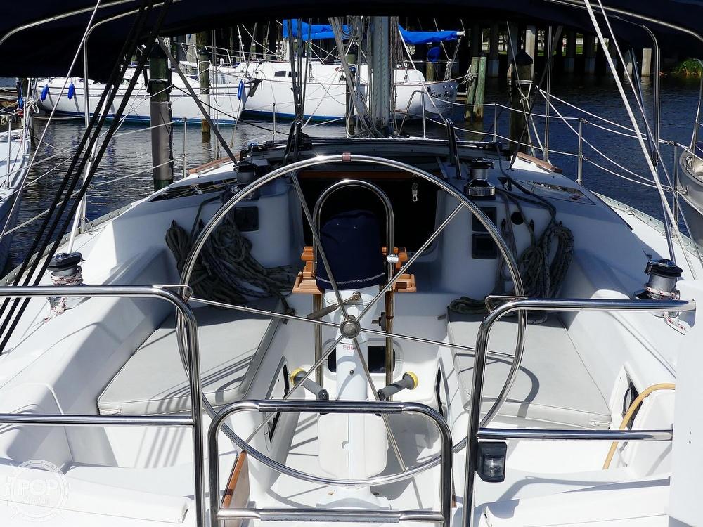 1992 Hunter boat for sale, model of the boat is Legend 37.5 & Image # 5 of 40