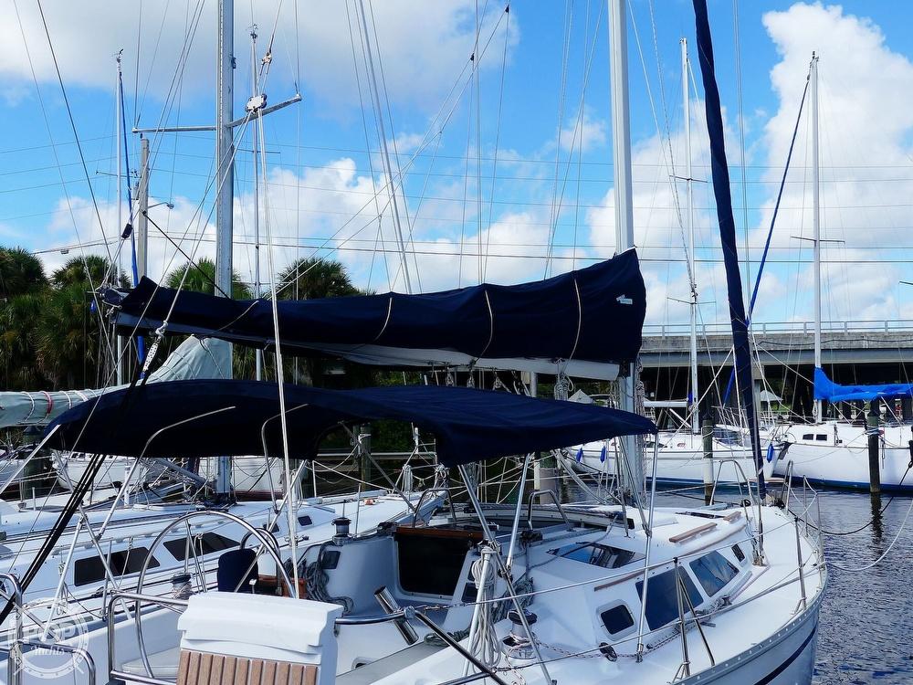 1992 Hunter boat for sale, model of the boat is Legend 37.5 & Image # 6 of 40