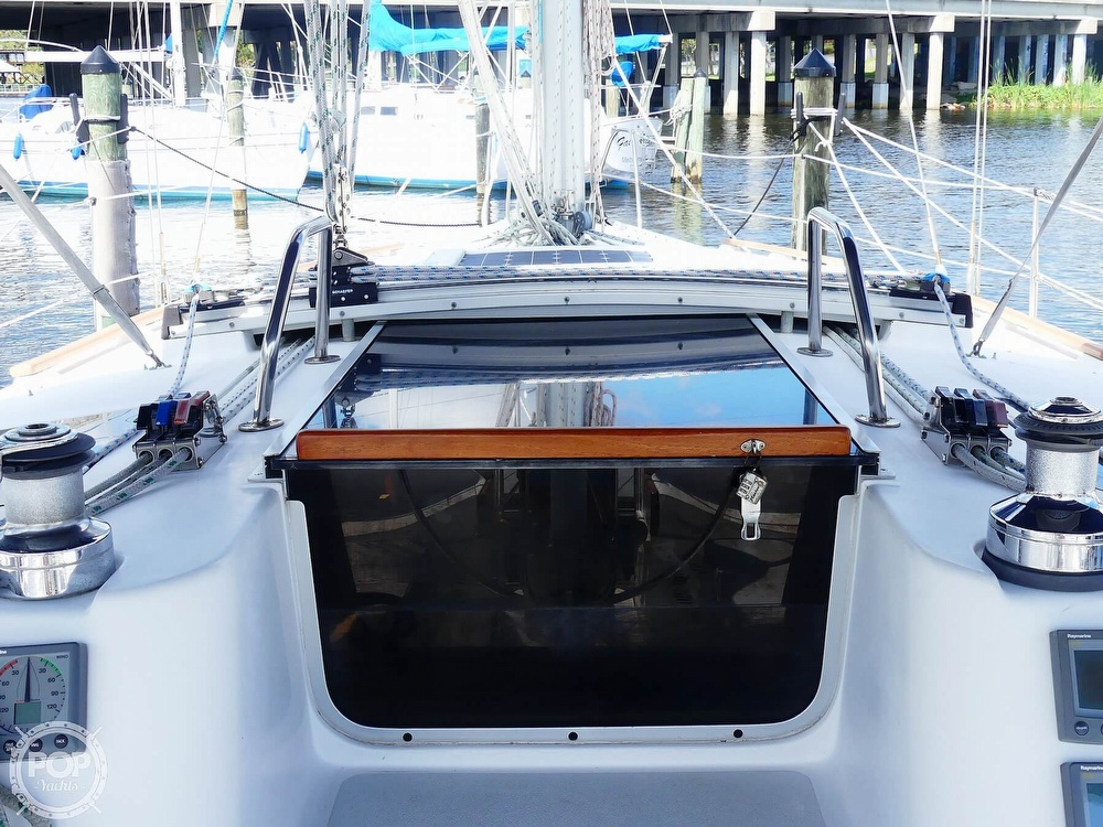 1992 Hunter boat for sale, model of the boat is Legend 37.5 & Image # 8 of 40