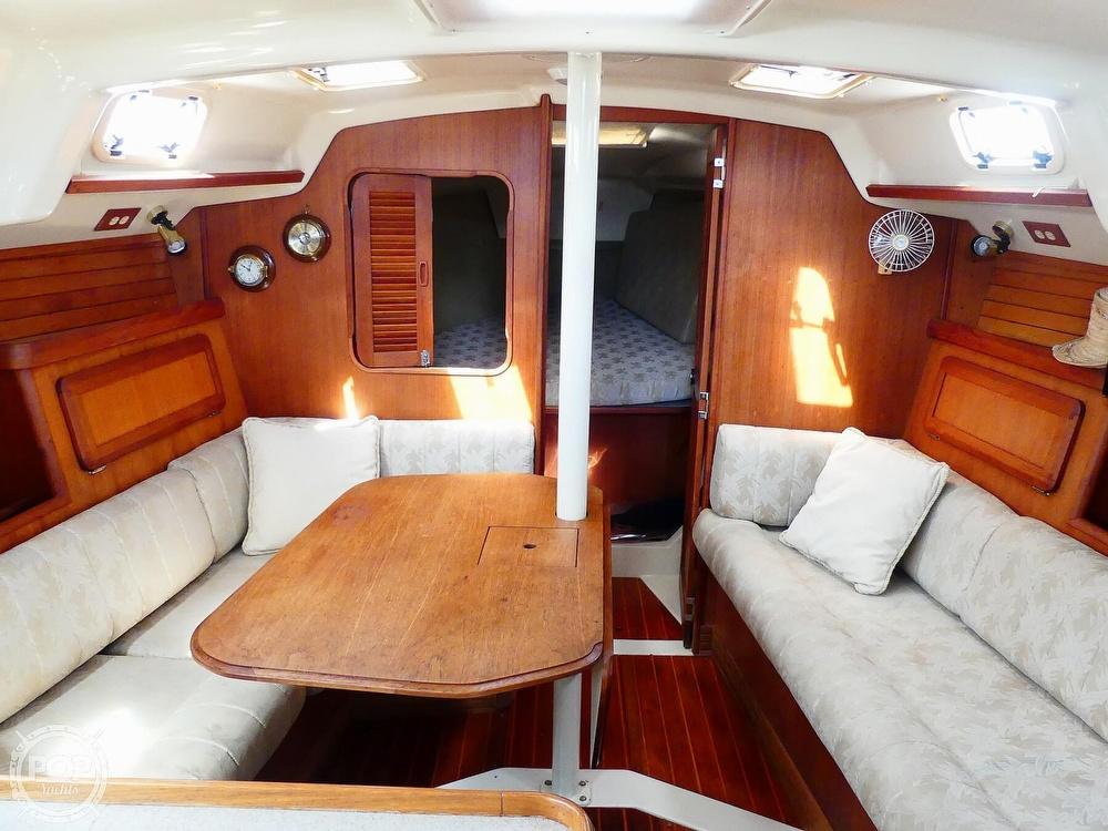 1992 Hunter boat for sale, model of the boat is Legend 37.5 & Image # 9 of 40