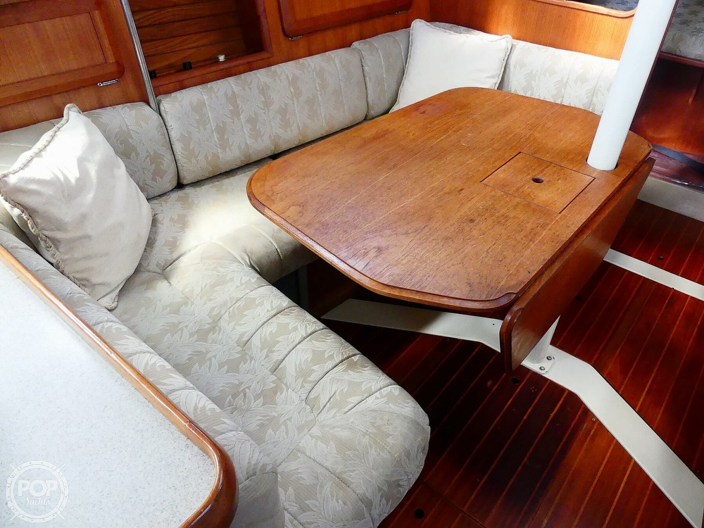1992 Hunter boat for sale, model of the boat is Legend 37.5 & Image # 14 of 40