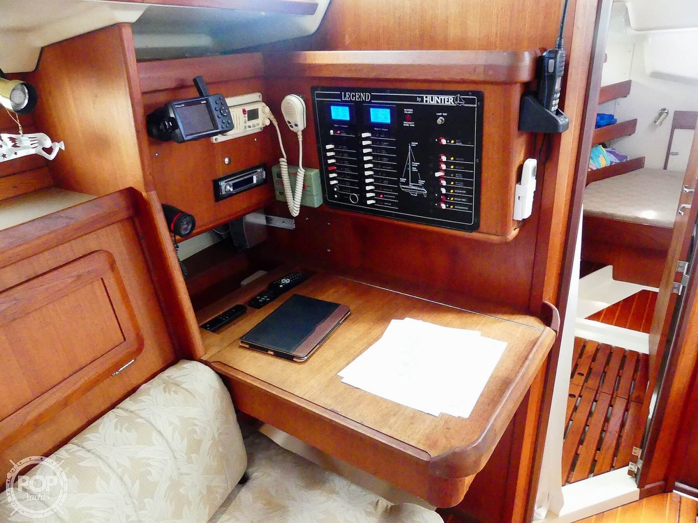 1992 Hunter boat for sale, model of the boat is Legend 37.5 & Image # 18 of 40