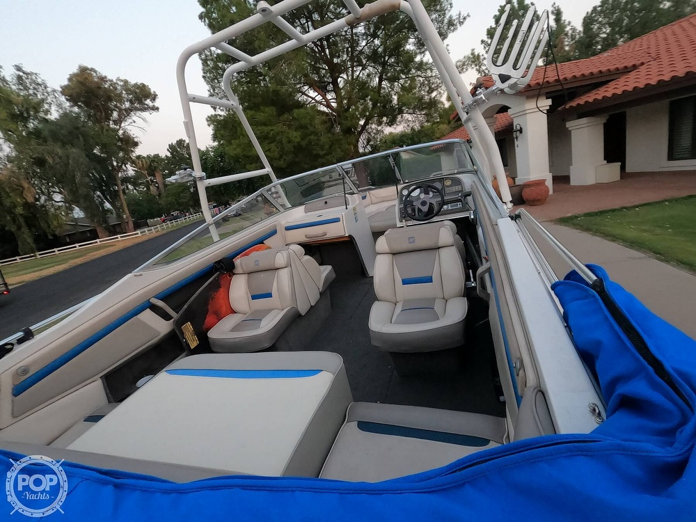 1993 Four Winns boat for sale, model of the boat is Horizon 210 & Image # 3 of 40